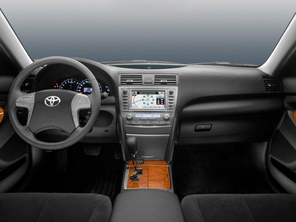«Машина хорошая и на этом все»: На что обращать внимание при покупке Toyota Camry XV40 с пробегом – автовладелец