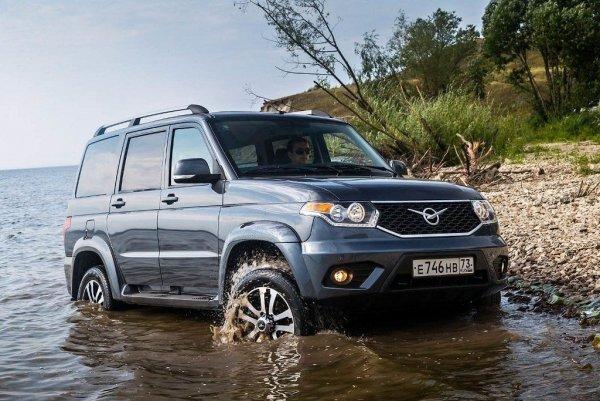 Тест: что больше подойдёт – новый УАЗ «Патриот» или подержанный Toyota Land Cruiser Prado