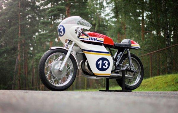 Мощнее старых «Жигулей», красивее японский спортбайков: Гоночный мотоцикл ИЖ Ш-12 «Юпитер» – привет из СССР!