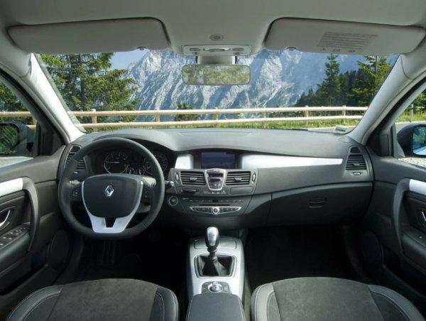 Покупка, приносящая удовольствие: Почему стоит обратить внимание на Renault Laguna 3
