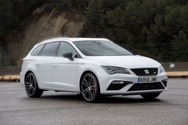 Дешевле и резвее Volkswagen: Почему Джереми Кларксон рекомендует Seat Leon, а не Golf 7